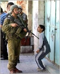 دیدهبان حقوق بشر: اسرائیل با کودکان فلسطینی بدرفتاری میکند