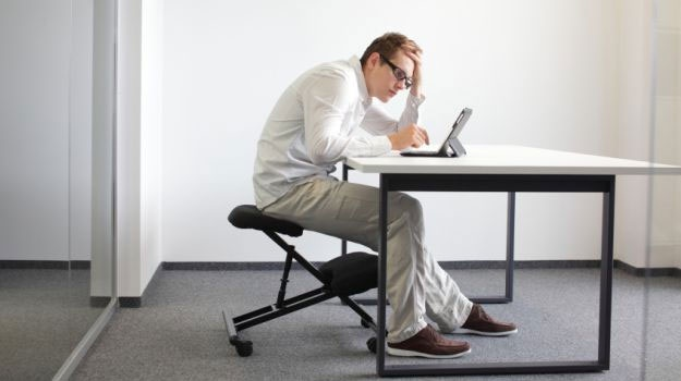 نشستن زیاد عمر را کوتاه میکند