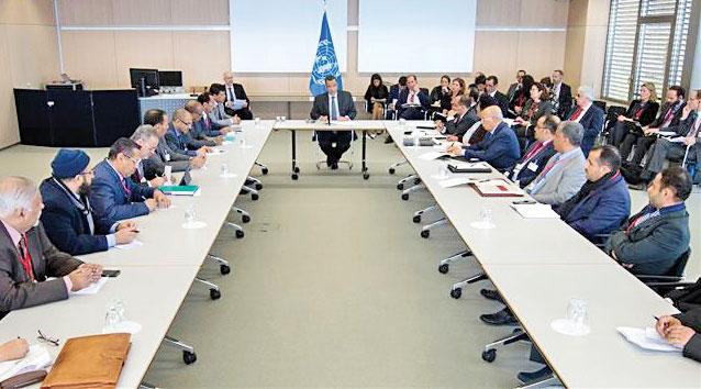 از هر طرف مذاکرات هیأتهایی با ۱۴نماینده در کویت حاضر شدهاند.