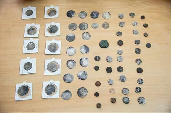 کشف محموله عتیقه و سکههای تاریخی در تهران