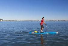قدمزدن روی آب با تخته پدالی شناور
