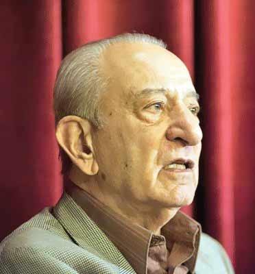 «اکبر اعتماد» رئیس سازمان انرژی اتمی ایران در دوره رژیم سابق