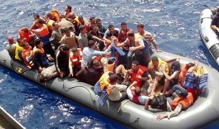 نجات یک هزار پناهجوی سوری در آب های جنوب ایتالیا