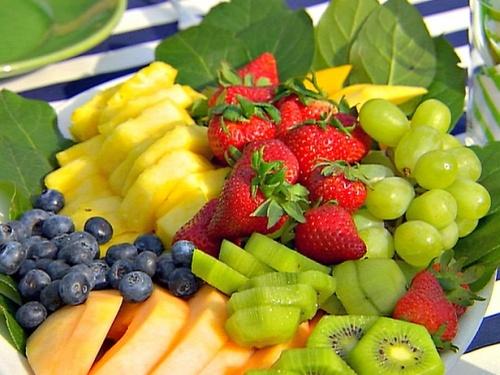 مصرف میوه در نوجوانی، ریسک سرطان سینه را کاهش میدهد