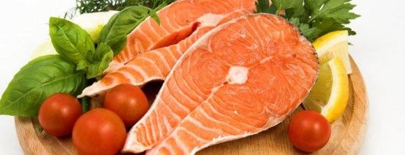 ماهی سالمون را با گوجه و آبلیمو بخورید