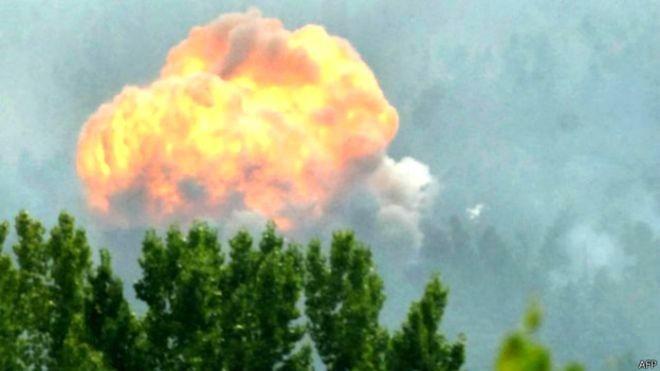 ۱۷ کشته در انفجار انبار مهمات در هند