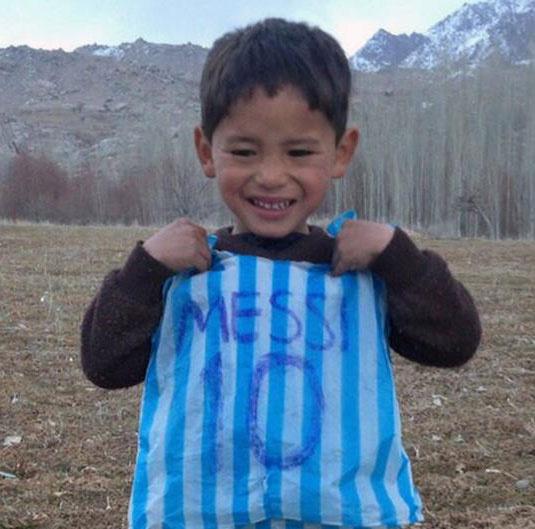 آوارگی هوادار ۵ ساله مسی به دلیل تهدید