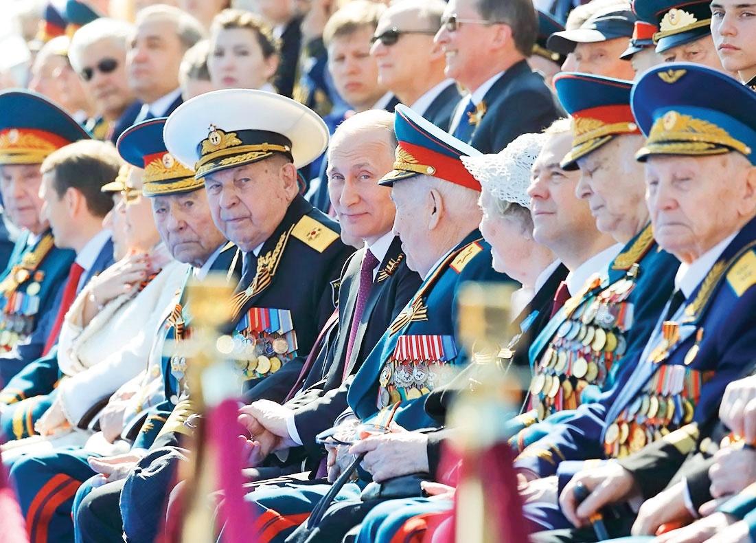 قدرت نمایی پوتین در میدان سرخ