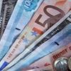 افزایش نرخ دلار بانکی؛ کاهش قیمت یورو و پوند