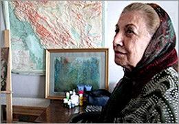 بانوی پیشکسوت نقاشی پشت شیشه در بستر بیماری