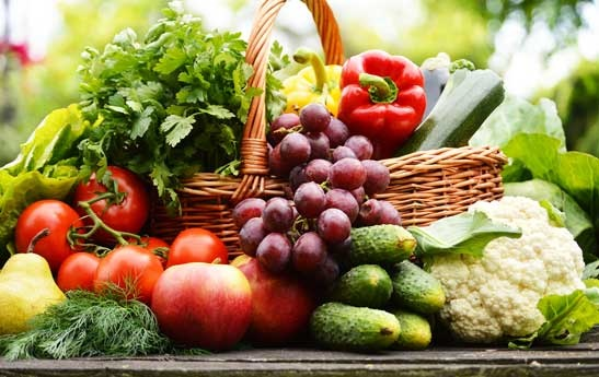 مصرف غذاهای کم کالری ریسک سرطان سینه را کاهش میدهد