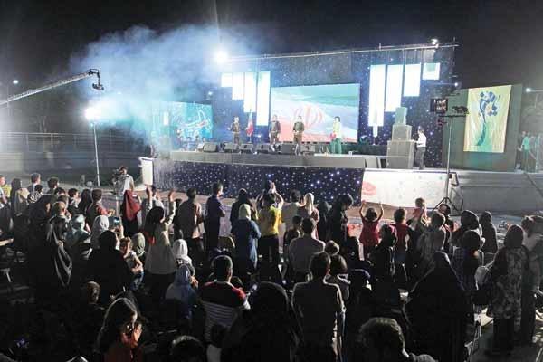 فرشتهها در محله هرندی جشن گرفتهاند