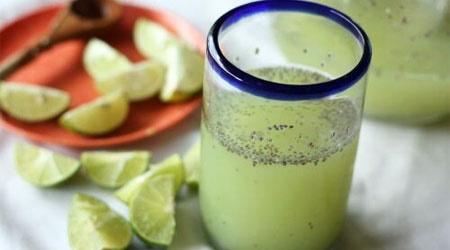 آشنایی با روش تهیه شربت آب لیموترش با تخم شربتی
