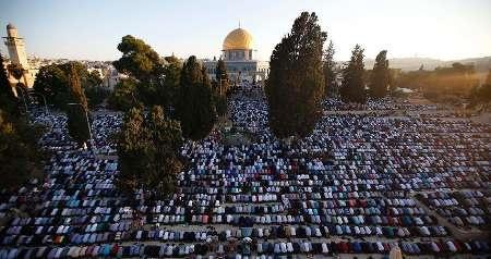 هزاران فلسطینی نماز جمعه را در مسجدالاقصی به جای آوردند