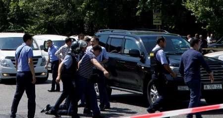 اعلام وضعیت قرمز درآلماتی قزاقستان |در حمله به ایستگاه پلیس ۴ مامور کشته شدند