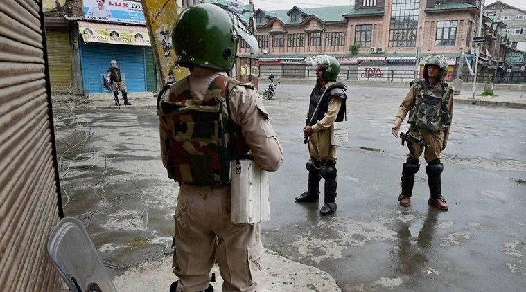 انتقاد از برخوردهای خشن نیروهای امنیتی هند در کشمیر   قطع تمامی مسیرهای اطلاع رسانی