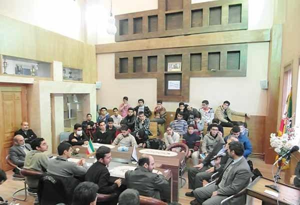 کرسیهای آزاداندیشی؛ نسخه دانشآموزی