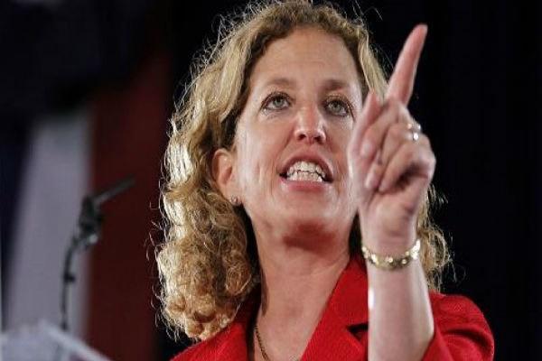 استعفای رئیس حزب دموکرات آمریکا برای ممانعت از آبروریزی