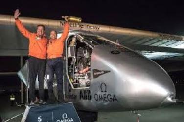 هواپیمای خورشیدی سولار ایمپالس ۲ به سفر دور دنیای خود پایان داد