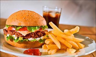 ارتباط رژیم غذایی پرچرب با احتمال بروز سرطان سینه
