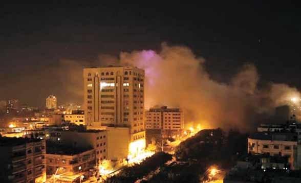 حمله زمینی و هوایی به غزه