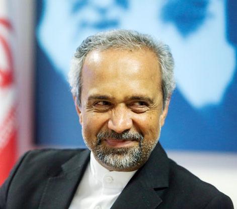 نهاوندیان پیش از خطبههای نماز جمعه تهران سخنرانی میکند