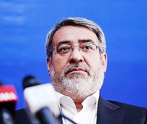 وزیر کشور خبر داد: ناکامی تروریستها در انفجار پایگاه سپاه
