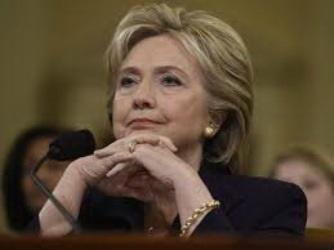 والدین قربانیان حملات بنغازی از هیلاری کلینتون شکایت کردند