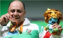 علی صادقزاده به مدال برنز وزنهبرداری دست یافت