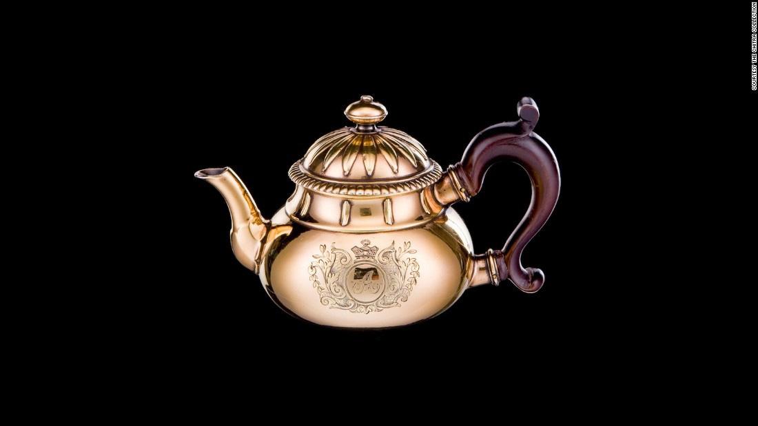 گرانقیمتترین مجموعه سرو چای در جهان را ببینید