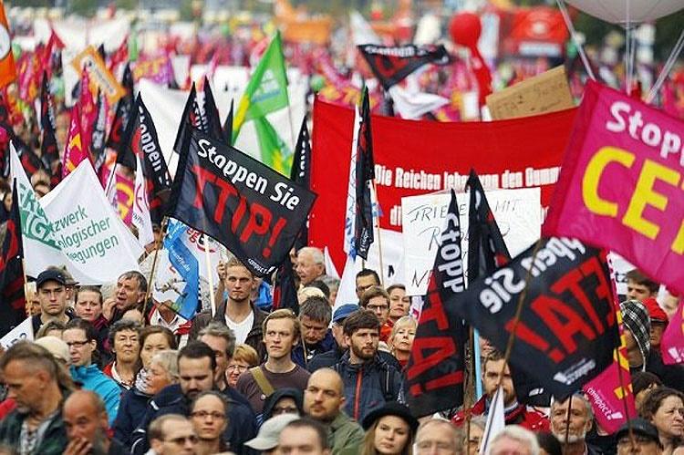 چرا اروپا با قرارداد تجارت آزاد با آمریکا مخالف است؟