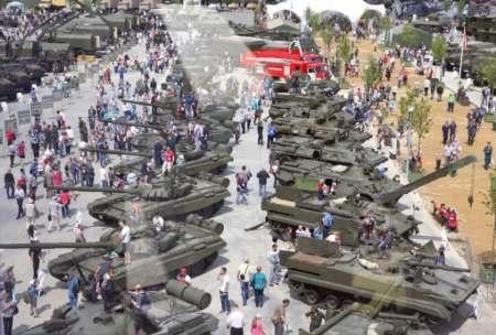 هیات دفاعی ایران از نمایشگاه نظامی مسکو دیدن میکند