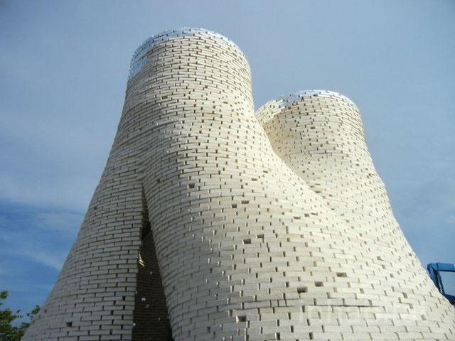 این برج از قارچ ساخته شده است