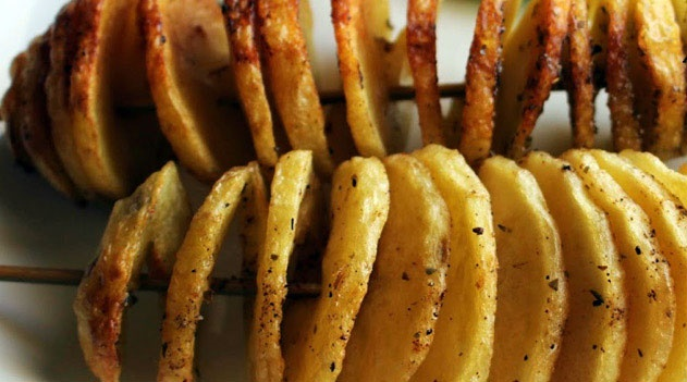 آشنایی با روش تهیه سیب زمینی پخته مارپیچی