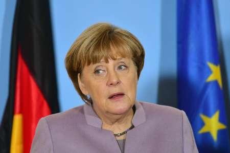 مرکل: اتحادیه اروپا نباید بر حمایت ابدی آمریکا تکیه کند