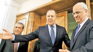 صائب عریقات،  دبیرکل سازمان آزادیبخش فلسطین در سفر به مسکو نامه محمود عباس را به مقامهای روسیه رسان