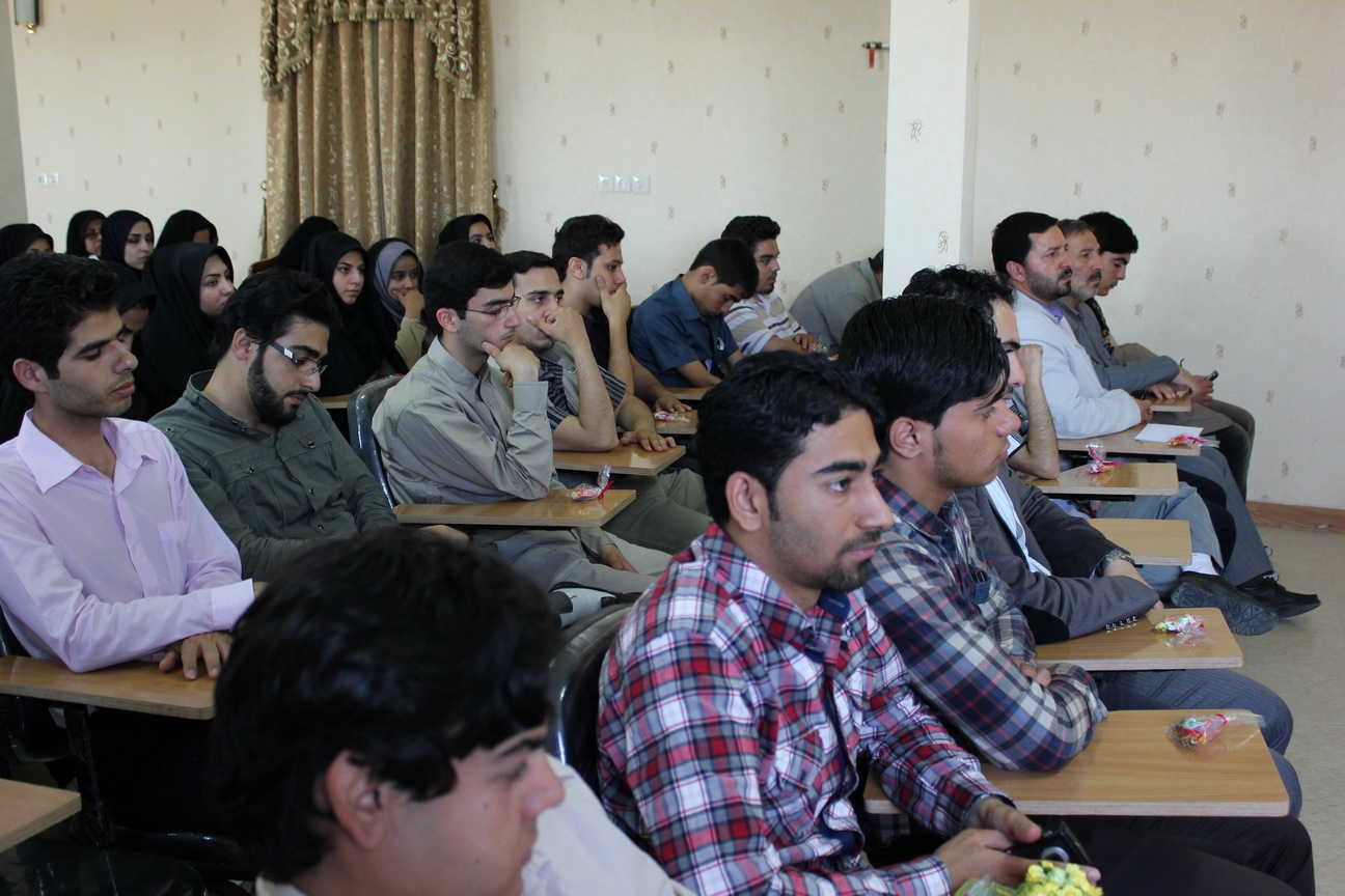 تعداد دانشجویان دختر و پسر دانشگاهها در وضعیت سر به سری