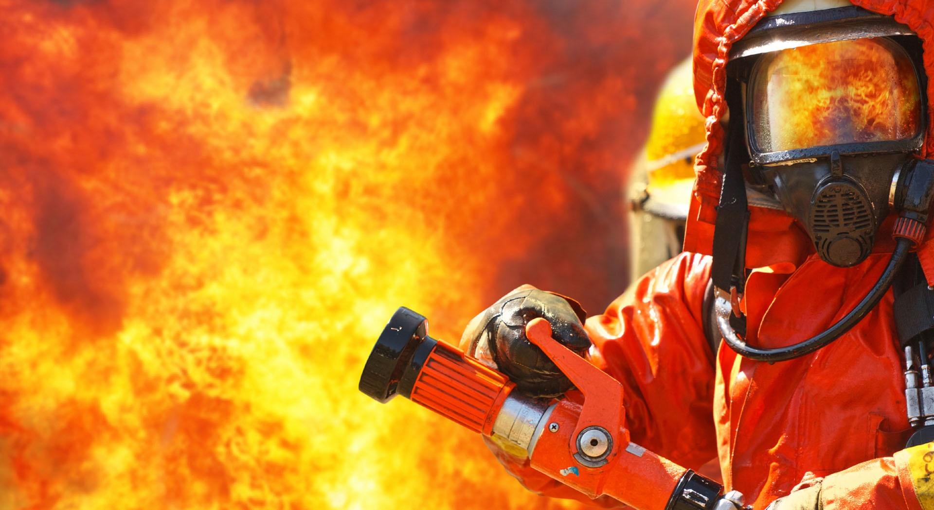 شغل آتشنشانی و پرتوکاری اشعه جزو مشاغل سخت و زیانآور شدند
