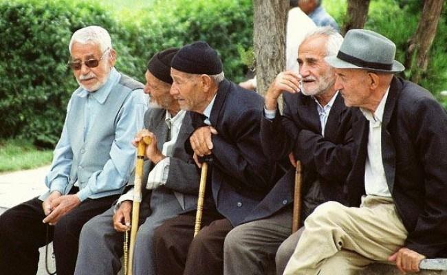 روابط اجتماعی عامل تقویت ذهن در سالمندی