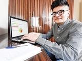 درآمد میلیاردی از وبسایت یک جوان