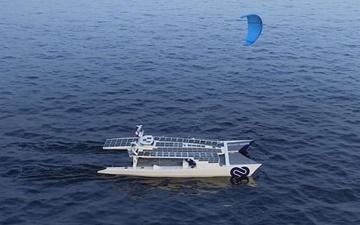 سفر دریایی دور دنیا با قایق خورشیدی