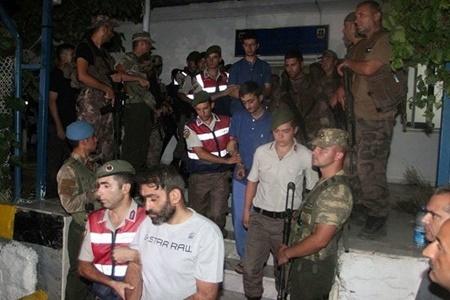 دستگیری ۱۳۲ نفر در ترکیه به اتهام همکاری با گولن