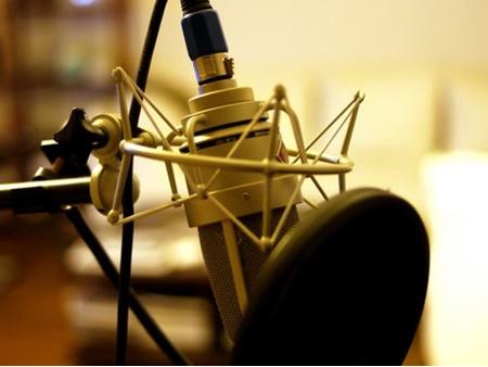 آغاز تست گویندگی در رادیو