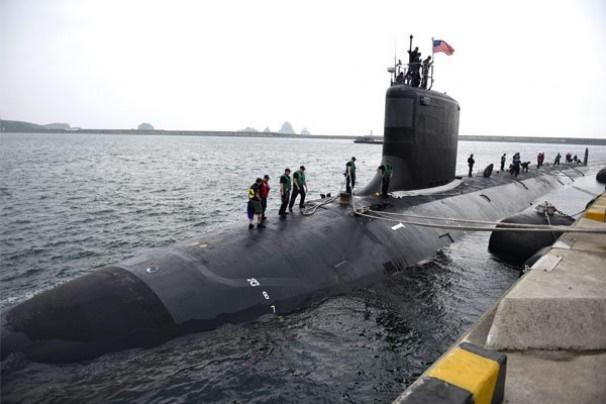استقرار زیردریایی هسته ای آمریکا در کره جنوبی