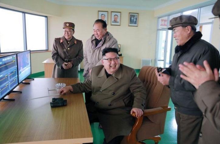 کره شمالی: در صورت ادامه توییت های ترامپ به گوام حمله می کنیم