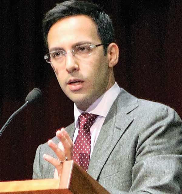 علی واعظ، تحلیلگر ارشد ایران در گروه بینالمللی بحران