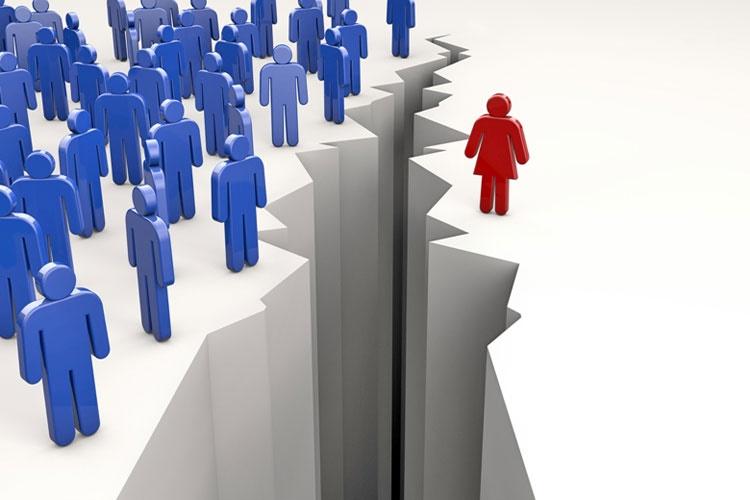 زنان در انگلیس دو ماه مجانی کار میکنند