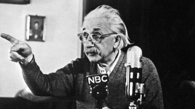 حراج ۱.۵۶ میلیون دلاری دو یادداشت اینشتین