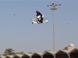 پلیسهای دوبی سوار بر موتورهای پرنده