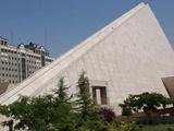 توقف دیوارچینی مقابل ساختمان قدیم مجلس